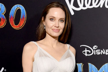 Angelina Jolie Legally Drops Pitt from Surname!