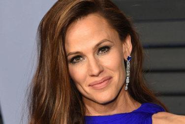 Jennifer Garner Removes Make-up Every Single Night!