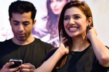 Mahira Khan Surprises Fans