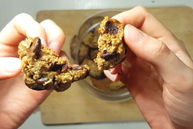 Healthy Chocolate Chip Cookies!