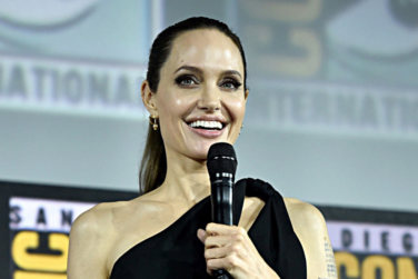 Celebrity Close Up - Angelina Jolie!