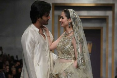 Feroze Khan and Hania Aamir Walked at Ramp at FPW19!
