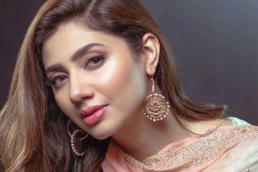 Mahira Khan Shares When She Will Get Married!