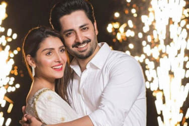 Pakistani Celebrities Who Love Their Wives!